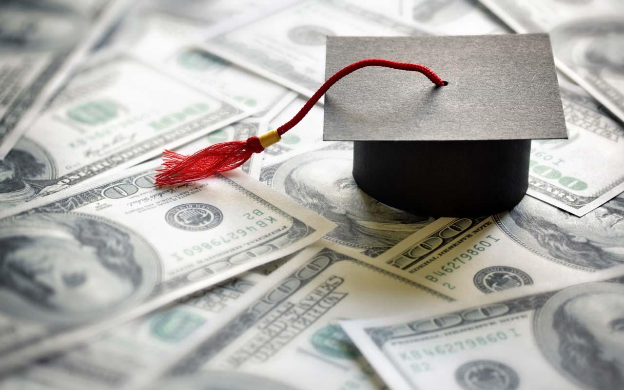 Biaya Kuliah Kelas Internasional